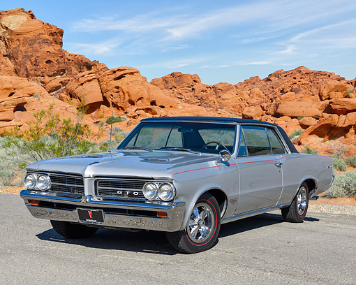 AUT 22 RK3785 01 © Kimball Stock 1964 Pontiac GTO 3/4 Front View By Desert Rocks