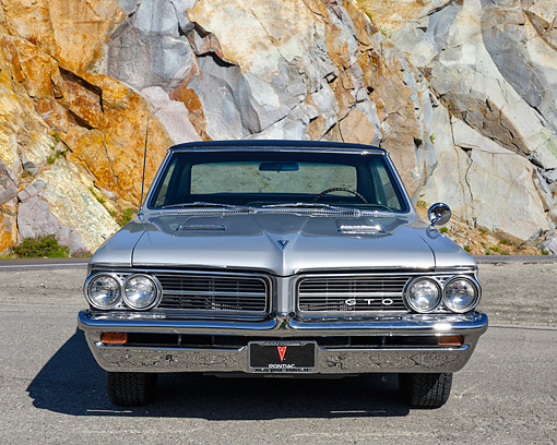 AUT 22 RK3786 01 © Kimball Stock 1964 Pontiac GTO Front View By Granite Wall