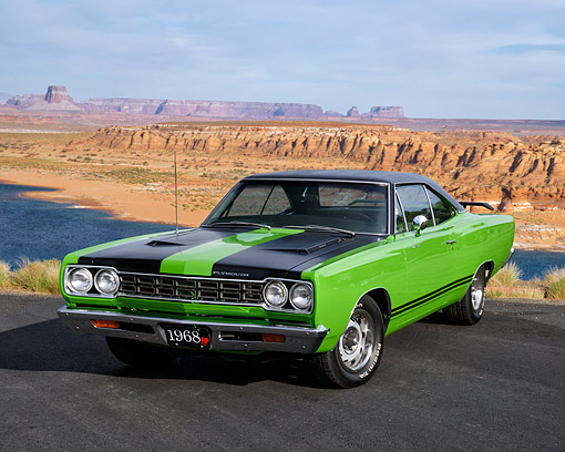 AUT 22 RK3818 01 © Kimball Stock 1968 Plymouth Road Runner 383 Sassy Grass Green 3/4 Front View In Desert