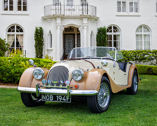 AUT 22 RK3834 01 © Kimball Stock 1968 Morgan Plus 4 Roadster Cream And Beige 3/4 Front View By Mansion