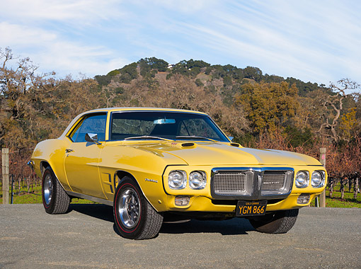 AUT 22 RK3851 01 © Kimball Stock 1969 Pontiac Firebird 400 H.O. Yellow 3/4 Front View By Hills