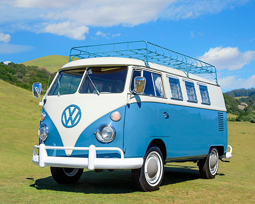 AUT 22 RK3865 01 © Kimball Stock 1965 Volkswagen Westfalia Camper Bus Blue 3/4 Front View On Grass By Hills