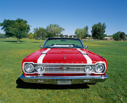 AUT 22 RK1145 07 © Kimball Stock 1967 Plymouth Belvedere GTX 426 Hemi Red And White Convertible Head On Shot  On Grass