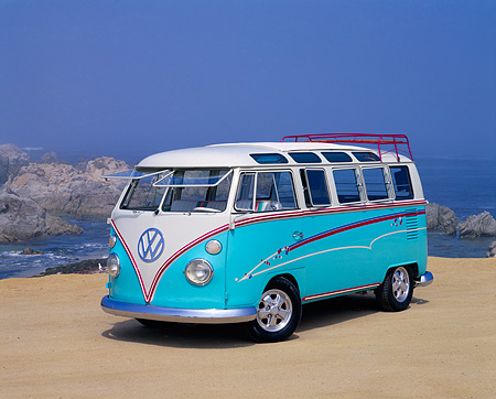 AUT 22 RK1221 04 © Kimball Stock 1967 Volkswagen Bus Ragtop 21-Window Light Blue And White 3/4 Front View On Sand