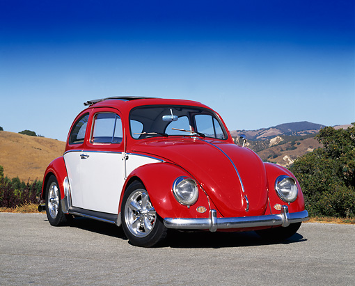 AUT 22 RK1224 04 © Kimball Stock 1962 Volkswagen Ragtop Bug Red And White 3/4 Front View On Pavement Blue Sky