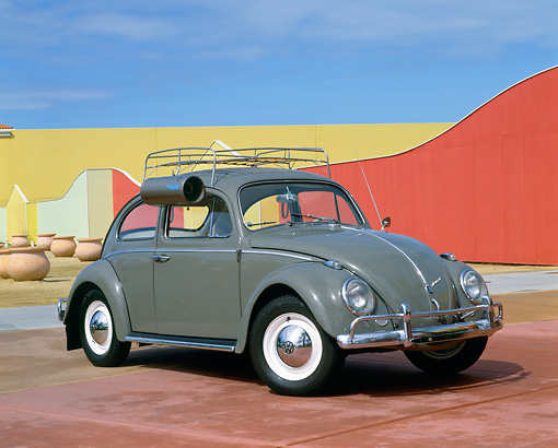 AUT 22 RK1389 04 © Kimball Stock 1963 VW Bug Gray With Roof Rack And Swamp Cooler 3/4 Side View By Fence