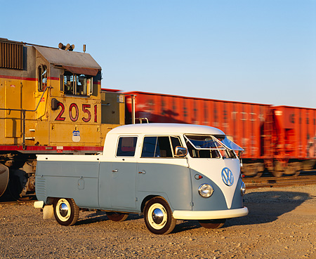 AUT 22 RK1616 03 © Kimball Stock 1960 Volkswagen Crew Cab Blue And White 3/4 Front View On Dirt By Train