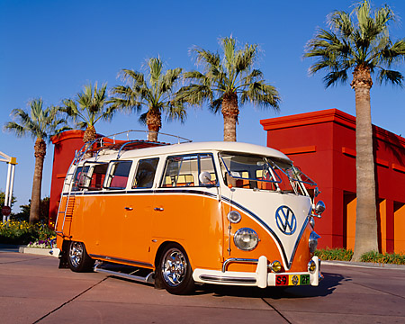 AUT 22 RK1778 11 © Kimball Stock 1967 VW Bus Deluxe Orange And White