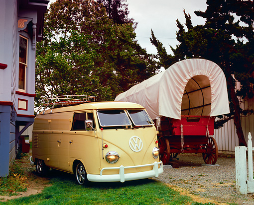 AUT 22 RK1919 06 © Kimball Stock 1960 VW Panel Van Cream 3/4 Front View By Covered Wagon