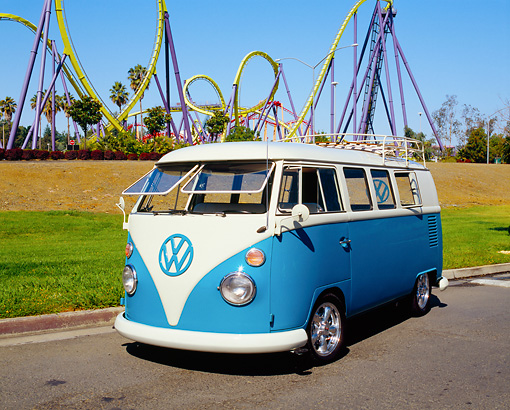 AUT 22 RK2197 02 © Kimball Stock 1967 Volkswagen Kombi Bus Turquoise And White 3/4 Front View By Roller Coaster