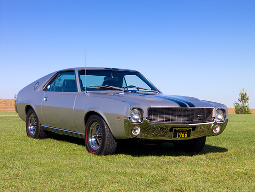 AUT 22 RK2357 01 © Kimball Stock 1968 AMC AMX Silver 3/4 Front View On Grass