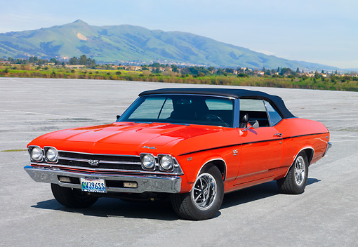 AUT 22 RK2787 01 © Kimball Stock 1969 Chevrolet Chevelle SS 396 Convertible Hugger Orange 3/4 Front View On Pavement