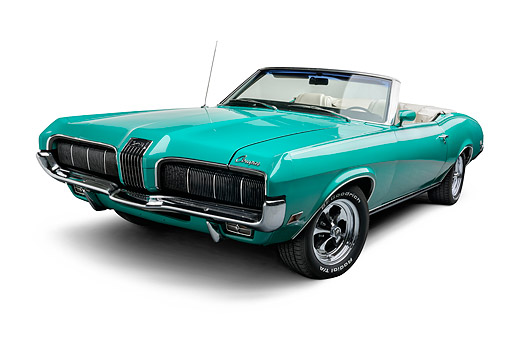 AUT 23 BK0133 01 © Kimball Stock 1970 Mercury Cougar Green 3/4 Front In Studio