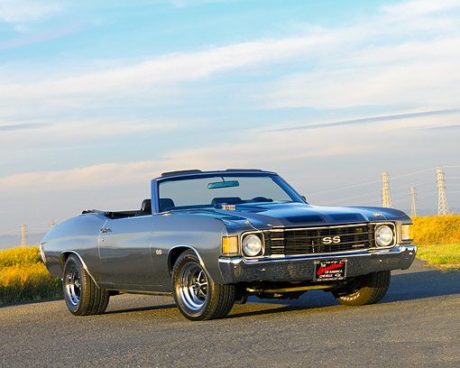 AUT 23 RK1568 01 © Kimball Stock 1972 Chevrolet Chevelle 396 Convertible Gray Low 3/4 Front View On Pavement