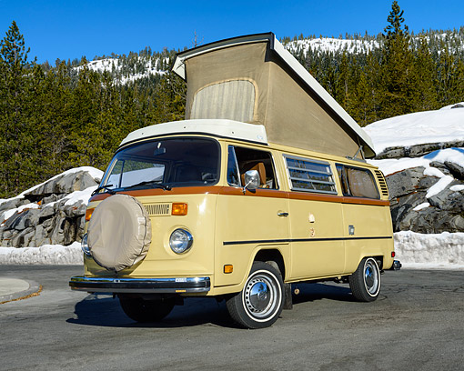 AUT 23 RK3539 01 © Kimball Stock 1974 Volkswagon Westfalia Dakota Beige 3/4 Front View On Pavement