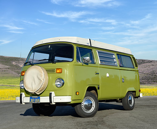 AUT 23 RK3541 01 © Kimball Stock 1975 Volkswagon Westfalia Green 3/4 Front View On Pavement