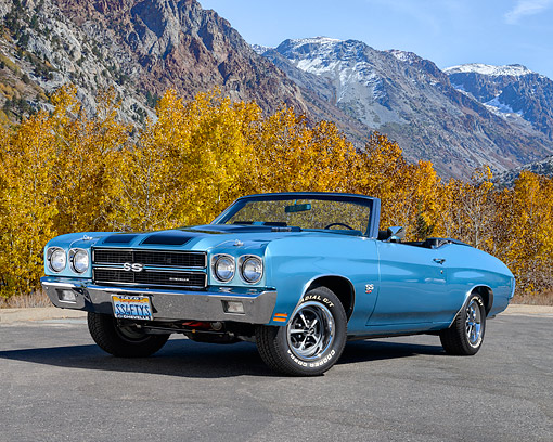 AUT 23 RK3562 01 © Kimball Stock 1970 Chevrolet Chevelle SS 454 Convertible Blue 3/4 Front View On Pavement
