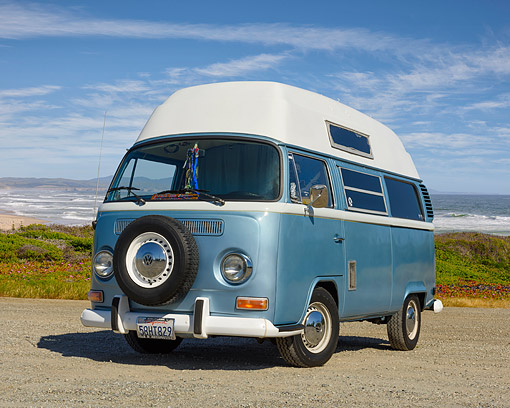 AUT 23 RK3707 01 © Kimball Stock 1972 Volkswagen Campmobile Bus Blue 3/4 Front View By Ocean