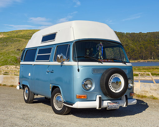 AUT 23 RK3708 01 © Kimball Stock 1972 Volkswagen Campmobile Bus Blue 3/4 Front View By Lake