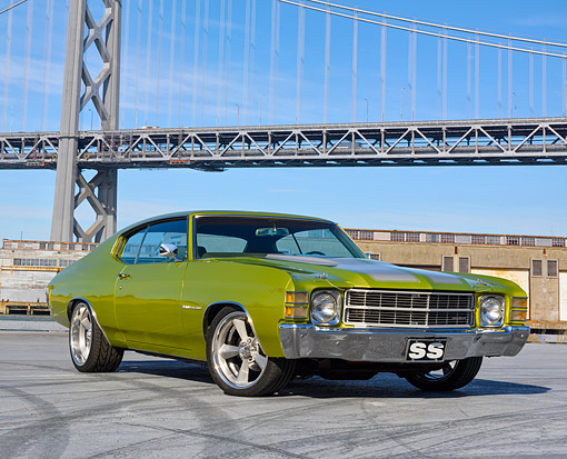 AUT 23 RK3722 01 © Kimball Stock 1971 Chevrolet Chevelle SS 350 Malibu Green And Silver 3/4 Front View On Pavement By Bridge