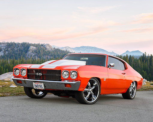AUT 23 RK3749 01 © Kimball Stock 1970 Chevrolet Chevelle SS 427 Hugger Orange Custom 3/4 Front View By Mountains