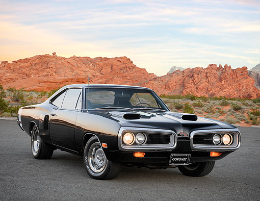 AUT 23 RK3780 01 © Kimball Stock 1970 Dodge Coronet 440 R/T Black 3/4 Front View In Desert