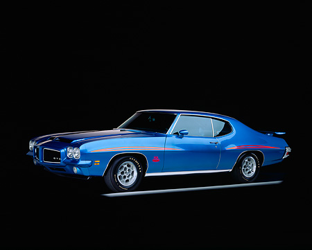 AUT 23 RK0055 04 © Kimball Stock 1971 Pontiac GTO - The Judge Blue 3/4 Side View On Gray Line Studio