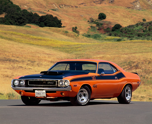 AUT 23 RK0118 10 © Kimball Stock 1971 Dodge Challenger 440 6-Pac Orange And Black 3/4 Front View On Pavement