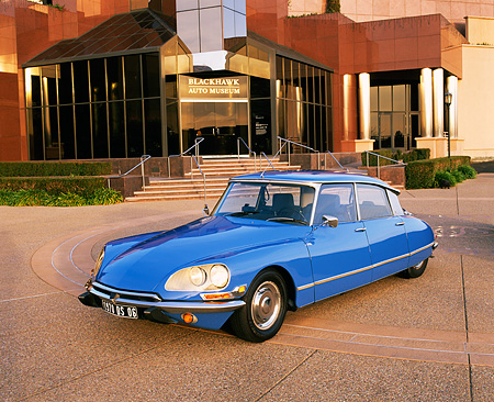 AUT 23 RK0342 02 © Kimball Stock 1970 Citroen DS 21 Blue 3/4 Front View On Pavement By Museum