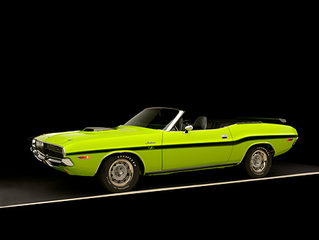 AUT 23 RK1038 01 © Kimball Stock 1970 Dodge Challenger Hemi Convertible Sublime 3/4 Side View Studio