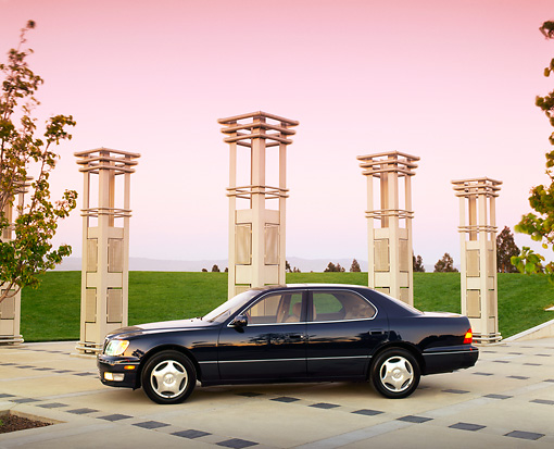 AUT 25 RK0704 04 © Kimball Stock 1998 Lexus LS400 Dark Blue Profile View By Pillars Filtered