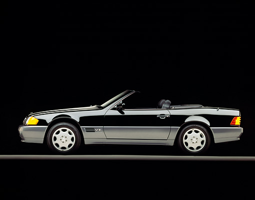 AUT 25 RK0200 06 © Kimball Stock 1994 Mercedes-Benz 600SL Roadster Profile Black On Gray Line Studio