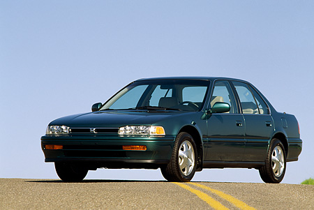 AUT 25 RK0483 06 © Kimball Stock 1993 Honda Accord Teal 3/4 Front View On Pavement Blue Sky