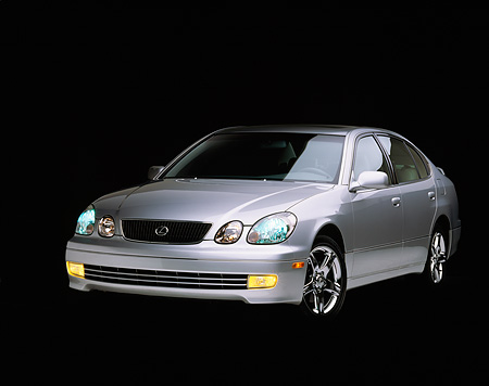 AUT 25 RK0609 03 © Kimball Stock 1998 Lexus GS400 Silver 3/4 Front View Studio