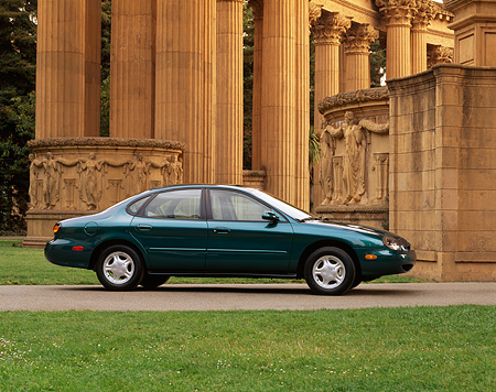 AUT 25 RK0663 02 © Kimball Stock 1997 Ford Taurus Green 3/4 Front View By Palace Of Fine Arts San Francisco