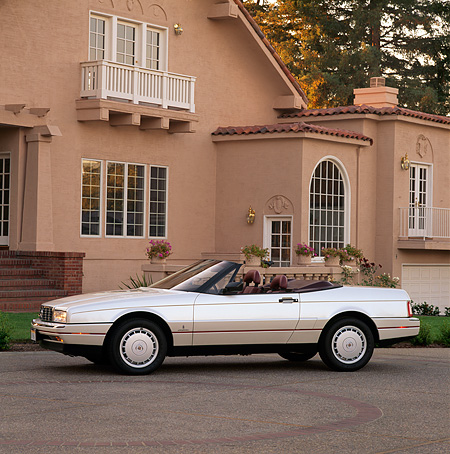 AUT 25 RK0788 07 © Kimball Stock 1990 Cadillac Allante Convertible Silver 3/4 Front View By House