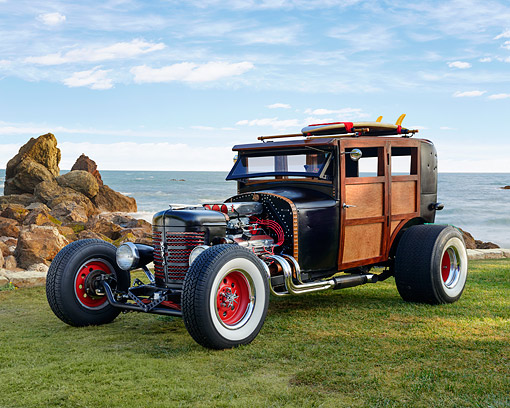 AUT 26 RK3430 01 © Kimball Stock 1926 Hudson Woody Black 3/4 Front View On Grass By Ocean