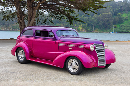 AUT 26 RK3522 01 © Kimball Stock 1938 Chevrolet Master Deluxe Two-Tone Purple 3/4 Front View By Lake