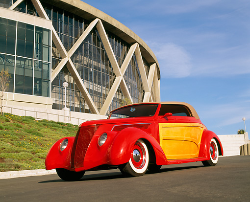 AUT 26 RK0208 03 © Kimball Stock 1937 Ford Sportsman