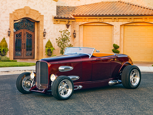 AUT 26 RK2654 01 © Kimball Stock 1932 Ford Roadster Hot Rod Burgundy 3/4 Front View By House
