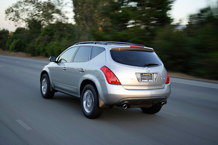 AUT 29 RK0873 01 © Kimball Stock 2005 Nissan Murano Silver Rear 3/4 View On Road In Motion