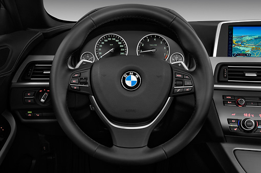 AUT 30 IZ1536 01 © Kimball Stock 2011 BMW 6 Series 640i Convertible White Interior Detail