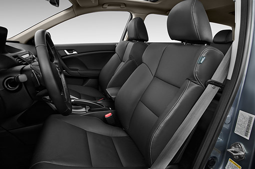 AUT 30 IZ1801 01 © Kimball Stock 2014 Acura TSX Sport Wagon Technology Package 5-Speed Automatic Interior Detail