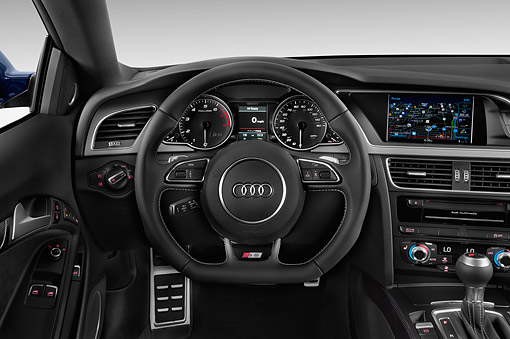 AUT 30 IZ1835 01 © Kimball Stock 2014 Audi S5 4.2 Quattro Tiptronic Premium Plus Coupe 2-Door Interior Detail