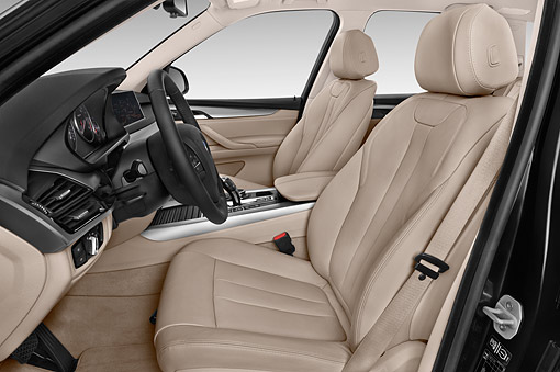AUT 30 IZ1853 01 © Kimball Stock 2014 BMW X5 XDrive 35D 5-Door SUV Interior Detail