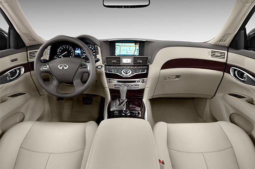 AUT 30 IZ2080 01 © Kimball Stock 2014 Infiniti Q70 56 FWD 4-Door Sedan Interior Detail