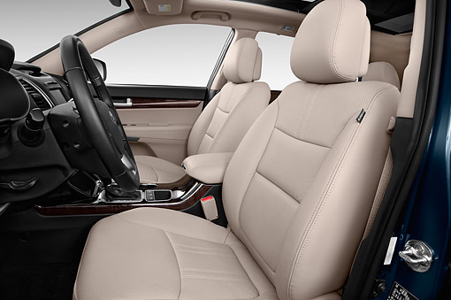 AUT 30 IZ2167 01 © Kimball Stock 2014 Kia Sorento EX V6 AT 5-Door SUV Interior Detail