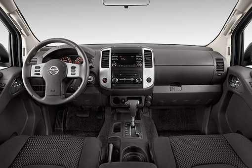AUT 30 IZ2326 01 © Kimball Stock 2014 Nissan Frontier 4.0 SV King Cab 4x4 AT SWB 2-Door Truck Interior Detail