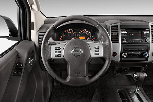 AUT 30 IZ2327 01 © Kimball Stock 2014 Nissan Frontier 4.0 SV King Cab 4x4 AT SWB 2-Door Truck Interior Detail