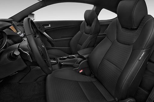 AUT 30 IZ2615 01 © Kimball Stock 2015 Hyundai Genesis Coupe 3.8t 8-Speed AT 2-Door Interior Detail